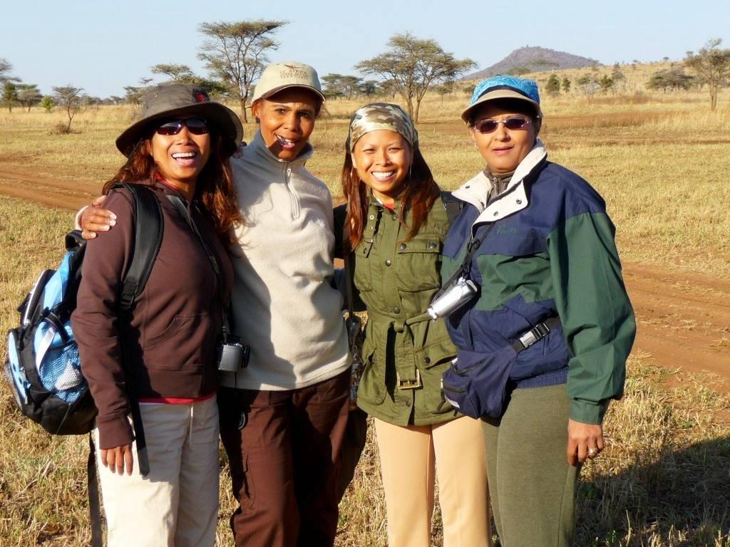 girls on safari